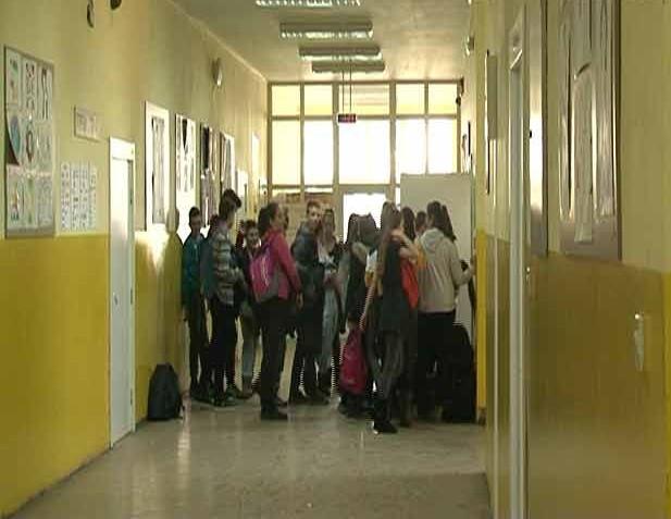 Новосадске школе и надокнада изгубљених часова